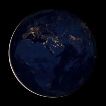 la Tierra de noche europa africa oriente